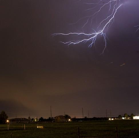 رعد و برق در کاالیفرنیای آمریکا-rad-o-bargh-آسمون قرمبه