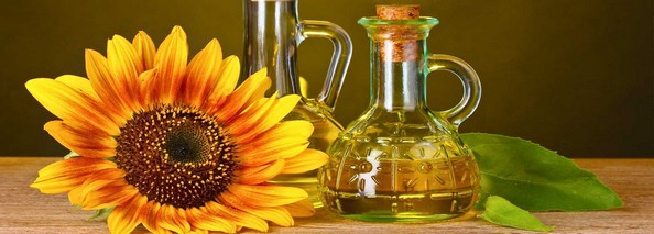 روغن آفتابگردان روغنی است که از دانههای روغنی گل آفتابگردان استخراج میکنند. از این روغن برای مصارف خوراکی استفاده میشود.