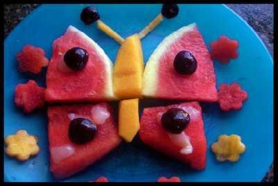 تصاویر میوه ها و خوراکی های تزئین شده در شب یلدا-جشن شب یلدا-تزئین هندوانه شب یلدا-tazein hendavane shab cheleتزیین هندوانه-میوه های شب چله-تربچه-سیب-انار-طالبی-آناناس-کدو-کیوی